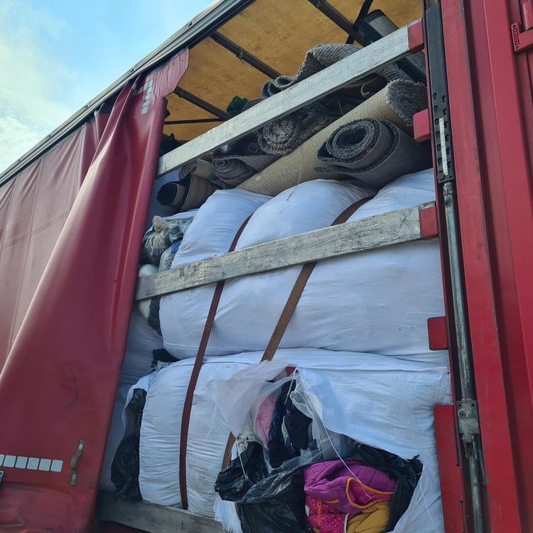 Galeria Transgraniczny przewóz odpadów bez wymaganego oznakowania